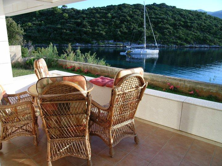 SEA FRONT APARTMENT RENTAL, KORCULA - Image 1 - Croatia - rentals
