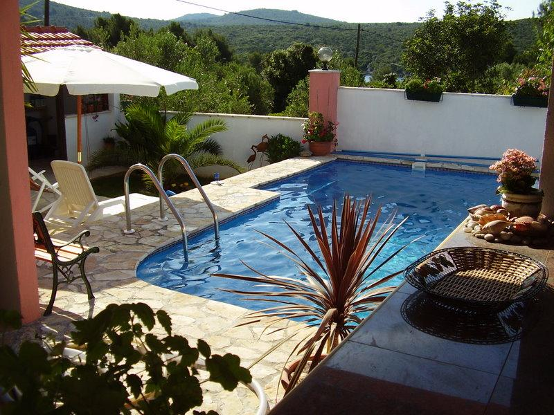 Nice, quiet villa with a pool, for rent, Solta - Image 1 - Grohote - rentals
