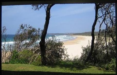 Beach from Loungeroom - 2 BR self-contained apartment absolute beachfront - Ulladulla - rentals