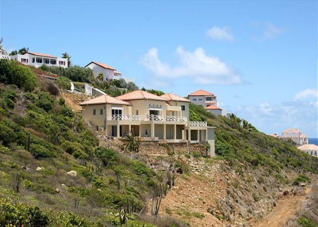 Offers privacy and solitude - Caribella: Villa overlooking the azur ocean & St. Barths | Island Properties - Saint Martin-Sint Maarten - rentals