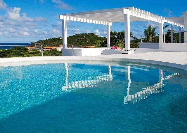 6 Bedroom Villa within walking distance to Guana Bay Beach - Image 1 - Saint Martin-Sint Maarten - rentals