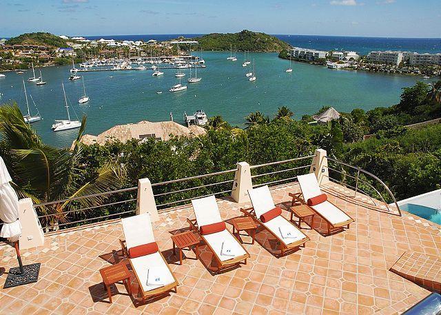 Comfortable teak lounge chairs - La Brise: Chic 4 Bedroom Villa overlooking Oyster Pond | Island Properties - Saint Martin-Sint Maarten - rentals