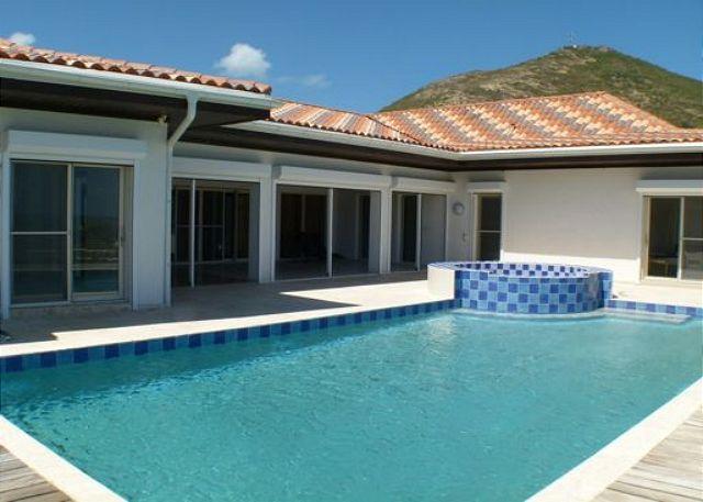 Impressive NEW 5 bedroom, 5.5 Bathroom loctaed on the beach! - Image 1 - Saint Martin-Sint Maarten - rentals