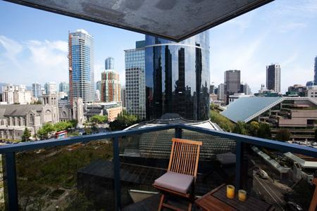 Living Area - Downtown Vancouver 2 Bedroom 2 Bathroom Sheraton Executive Condo - Vancouver - rentals