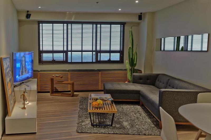 Sleek One Bedroom Suite w/ Golf Views in BGC Fort - Image 1 - Taguig City - rentals