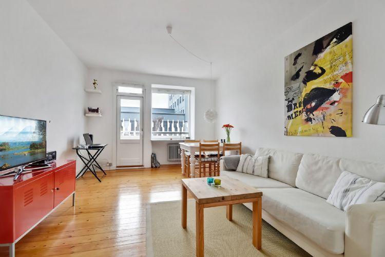 Reberbanegade Apartment - Copenhagen apartment with balcony at Amagerbro Metro - Copenhagen - rentals