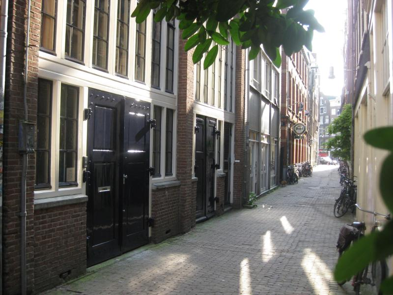 front side metropolitan - The Metropolitan private apartment with garden - Amsterdam - rentals