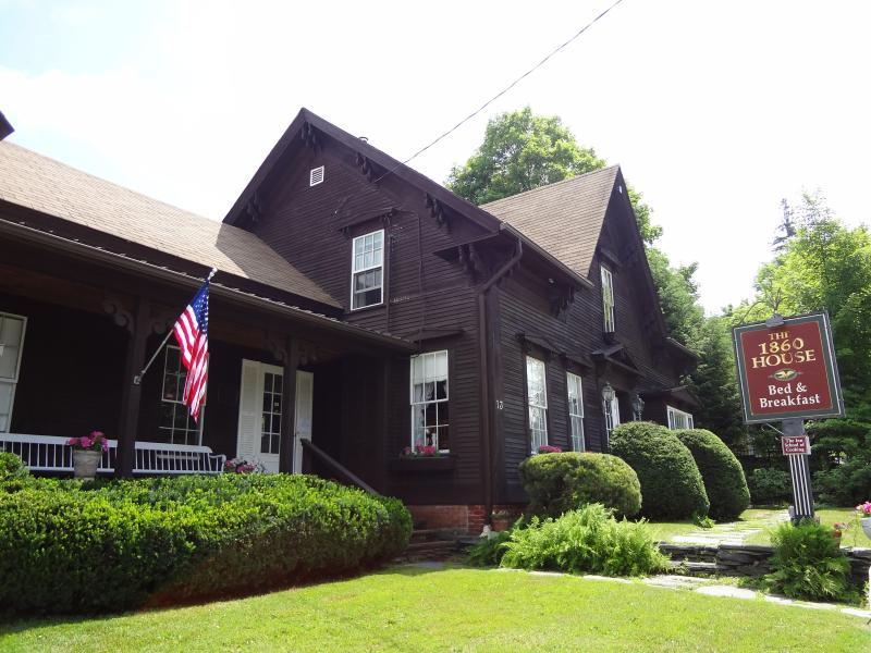 1860 House in Summer - Stowe Village Home, 5 Bedrms, 6 Baths, WIFI - Stowe - rentals