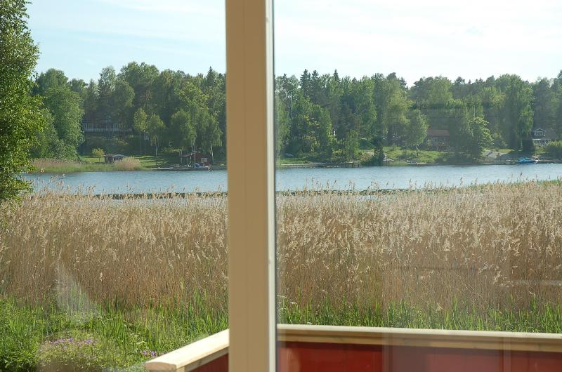 Ocean view from inside house, Baltic Sea is 100 ft from house - Stockholm archipelago, sleeps 4+2, boat and canoe - Norrtalje - rentals