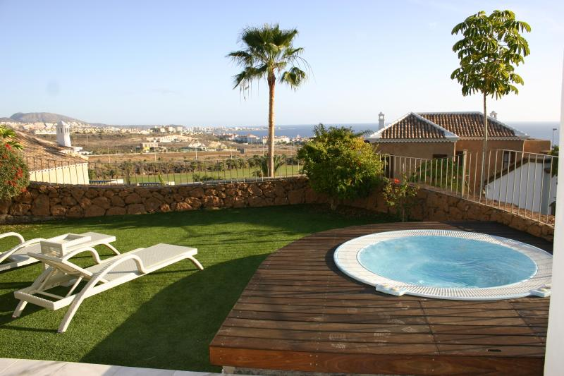 2 bedroom Villa with private jacuzzi Tenerife - Image 1 - Adeje - rentals