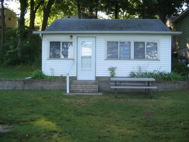 Vacation Cottage Rental On The Lake - Image 1 - Jones - rentals