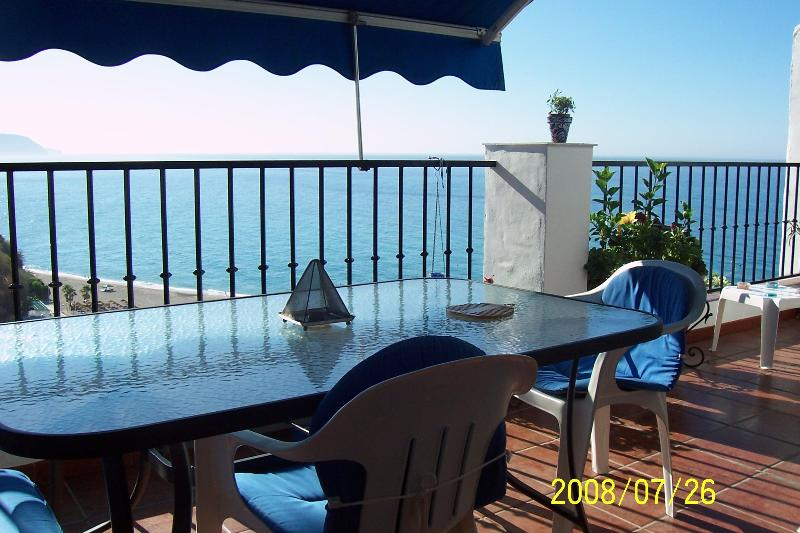 "Terrace ,dining area - ""El ranchito""NerjaMarvellous sea sights over Burriana beach.Free WIFI.last moment offers! - Nerja - rentals"