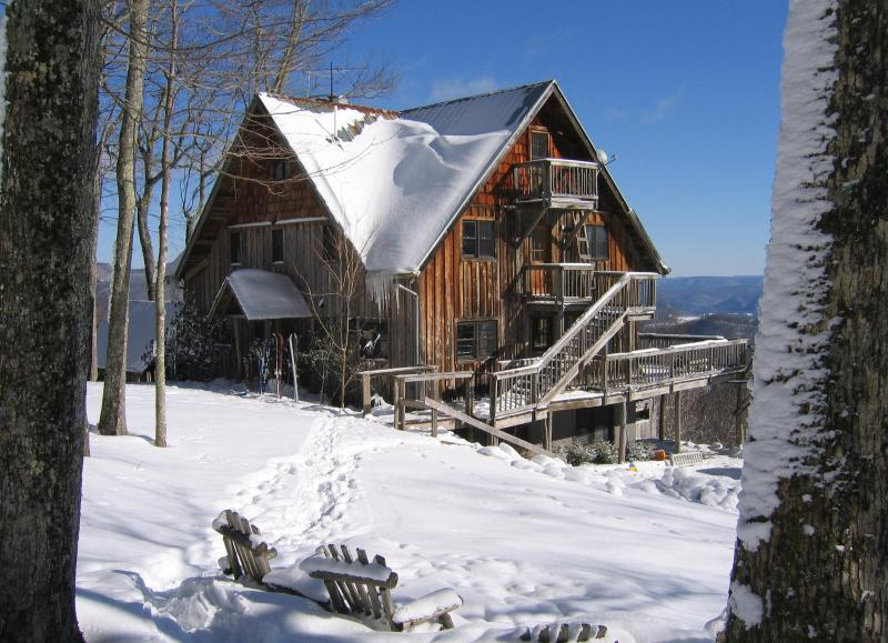 At 4,000 feet elevation, the Lodge receives over 150 inches of snow a year. - 7 Bedroom Lodge-Spacious/Beautiful/No Neighbors - Hillsboro - rentals