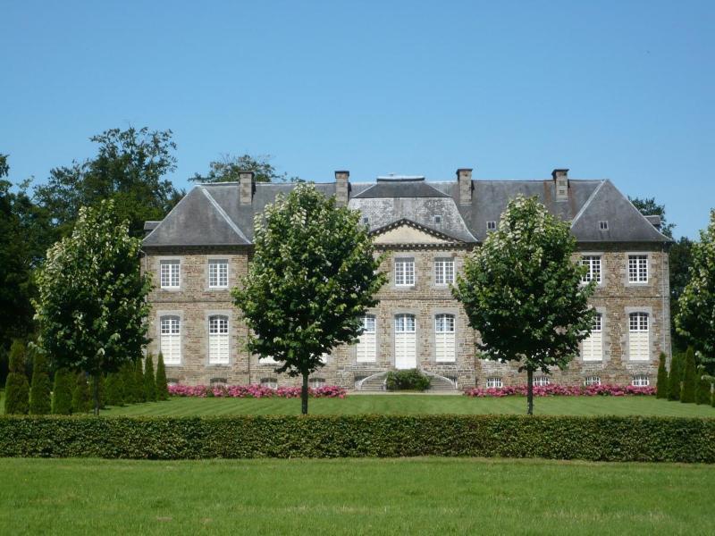 View from the east - Chateau de Saint Charles de Percy. B&B in Normandy - Saint-Charles-de-Percy - rentals