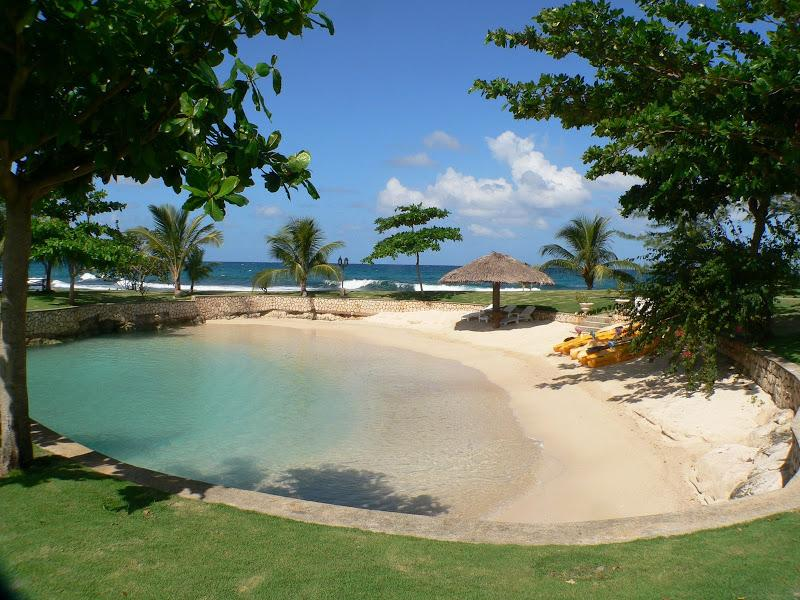 PARADISE PFP - 99790 - SPECTACULAR | 7 BED | BEACHFRONT VILLA | INFINITY POOL | GYM - DISCOVERY BAY - Image 1 - Discovery Bay - rentals