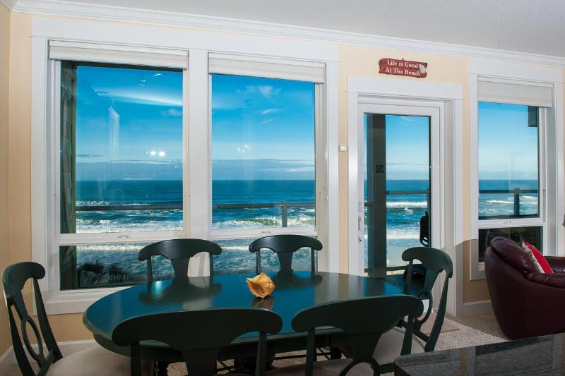 Oceanfront Views - Corner Oceanfront Condo-Private Hot Tub-Pool-WiFi - Lincoln City - rentals