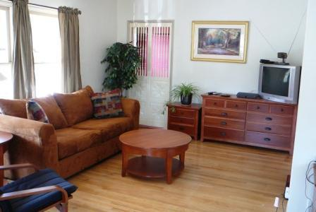 Comfy Living room, HBO, Netflix and more. (new flat screen HD-TV not shown). - LA/Atwater Village, Large Private Clean n Cozy - Los Angeles - rentals
