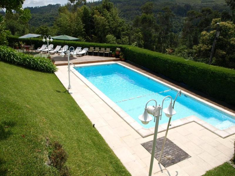 Nice 3bdr Country House pool, AC in living room - Image 1 - Vila Verde - rentals
