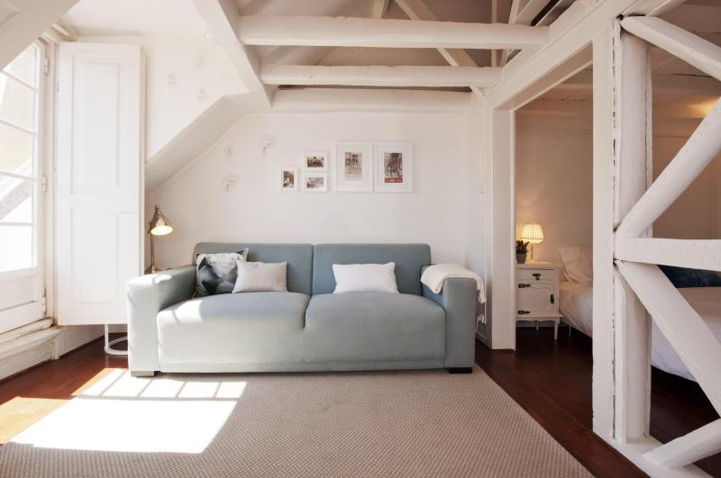 This bright, always spotlessly clean, 2-bedrooms apt provides a comfortable urban living space - AWARD-WINNING w/ amazing terrace at downtown-Baixa - Lisbon - rentals
