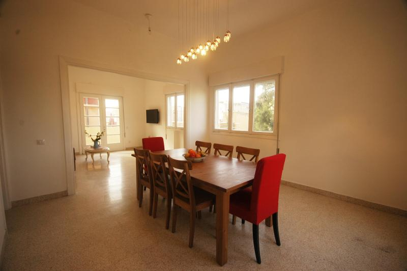 Formal Dining Room - Bialik Street Jewel -- Historic Bauhaus - Tel Aviv - rentals