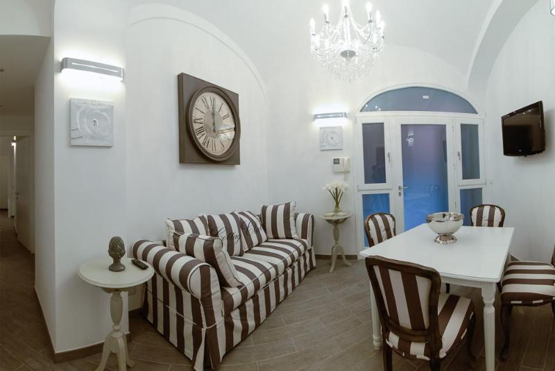 Living with dining area - Luxury 2Bdrs 2Bths Historical Center (Colosseo) - Rome - rentals