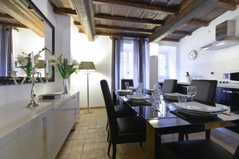 Dining room with kitchen - Luxury 2Bdrs 2Bths Historical Center (Ibernesi 2) - Rome - rentals