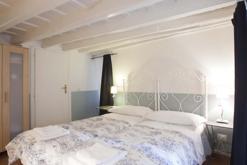 MAIN BEDROOM - COSY APARTMENT PIAZZA NAVONA - A BRIDGE TO S.PETER - Rome - rentals