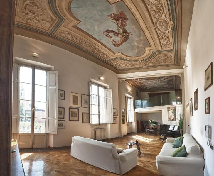 the living room - Dazzing 3 Bedroom Rental Apartment at La Sinagoga - Florence - rentals