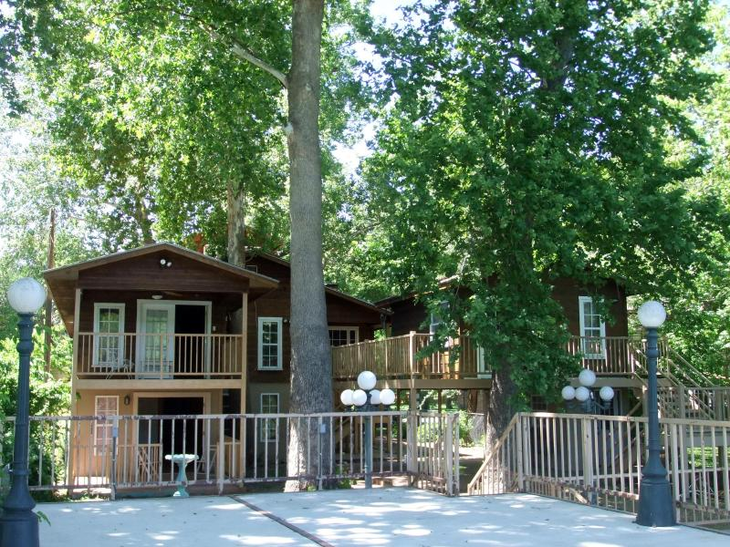 Guadalupe River Lodge and Guest Cottage from Main Deck for large groups/families - GUADALUPE RIVER LODGE NEW BRAUNFELS HILL COUNTRY - New Braunfels - rentals