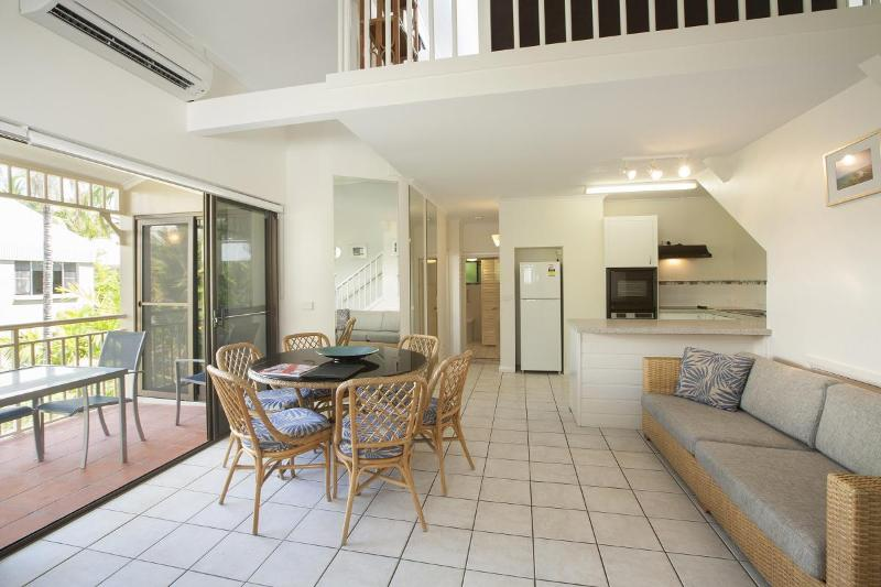 Living Area - 3 Bedroom Apartment in the heart of Port Douglas - Port Douglas - rentals