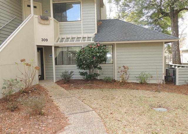 Great location Great pricing! West Hyde Park Kingston Plantation - Image 1 - Myrtle Beach - rentals