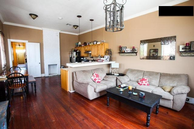 Living space - 3BDR Uptown Home Off Magazine (Garden District) - New Orleans - rentals