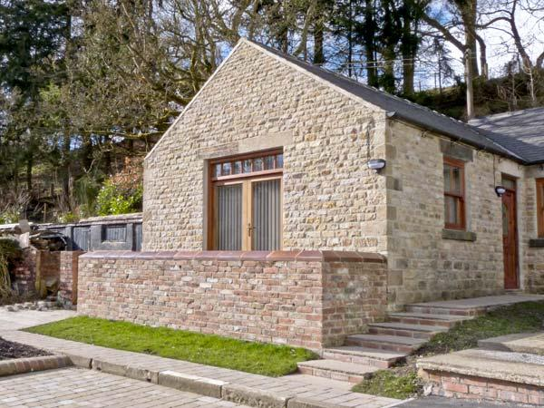 LEADMILL HOUSE WORKSHOP, romantic, off road parking, garden, near Barnard Castle, Ref 21469 - Image 1 - Barnard Castle - rentals