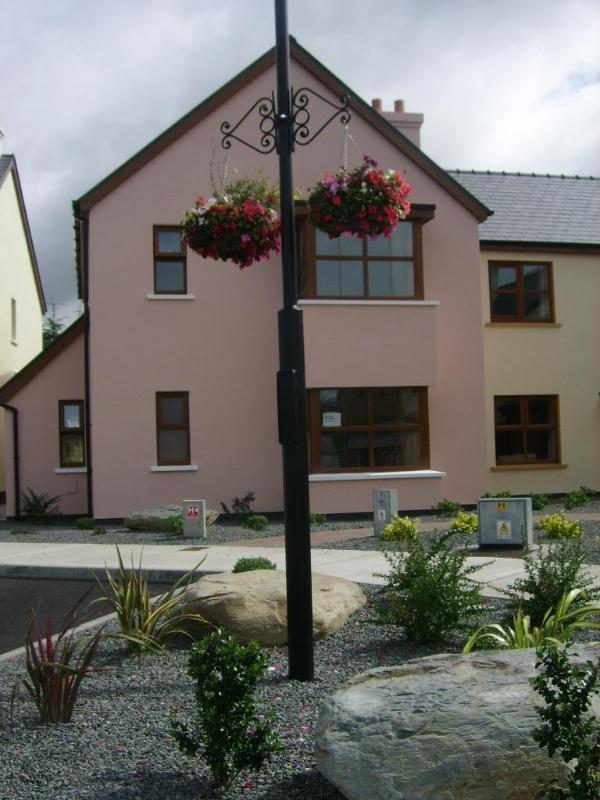 Front View - Eyeries,Beara Peninsula,Holiday Home.Sleep 5. - Cork - rentals