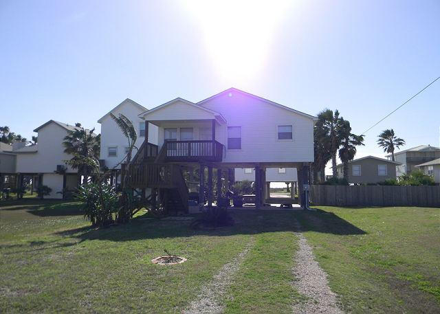 Lucky Escape - 2nd Row Beachside, West Galveston - Galveston - rentals