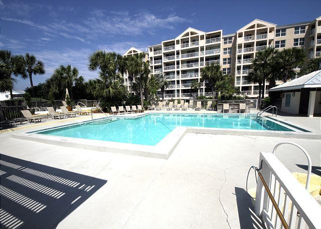 Pool Deck located directly behind Condos - Perfect Private Getaway On Holiday Isle, Destin - Destin - rentals