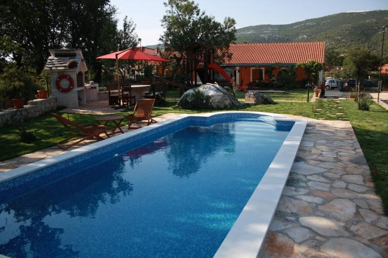 Villa with pool for rent in village in Trogir area - Villa with pool for rent in village, Trogir area - Trogir - rentals