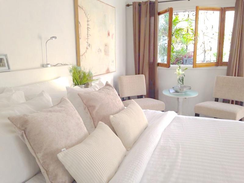 Arte + Diseño (Art + Design)  ~New listing! - Image 1 - Isla Mujeres - rentals