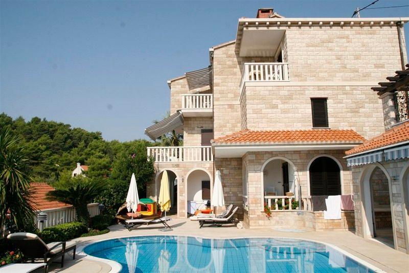 Villa with a pool for rent, Sumartin, Brac - Image 1 - Cove Puntinak (Selca) - rentals
