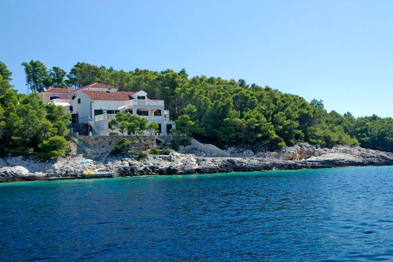 Seafront apartment for rent on Korcula island - Seafront apartment for rent, Korcula - Vela Luka - rentals