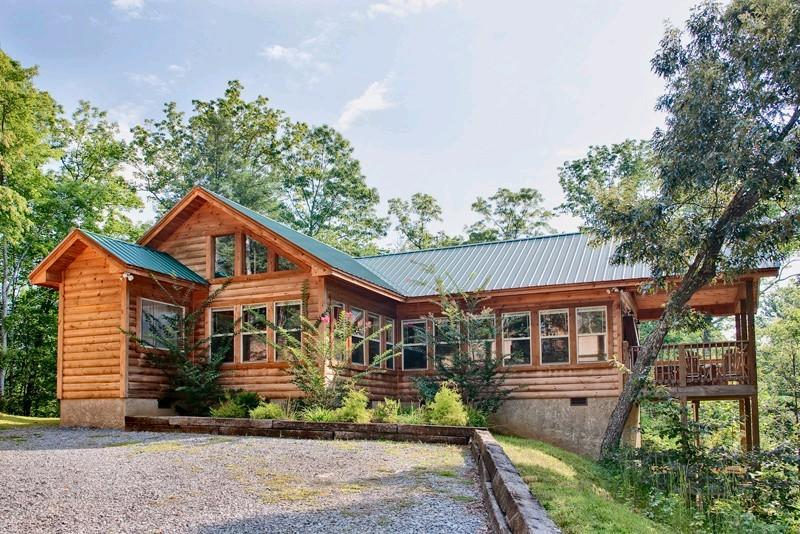 1_Exterior - ABOVE THE CLOUDS - Sevierville - rentals