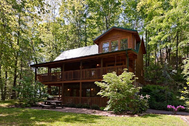 Welcome to Across the Smokies - ACROSS THE SMOKIES - Gatlinburg - rentals