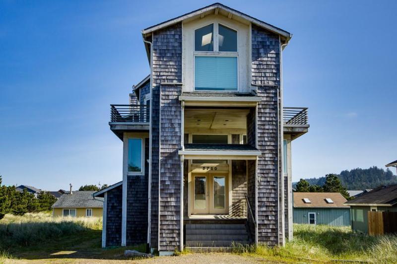 Pacific Suites - Image 1 - Pacific City - rentals