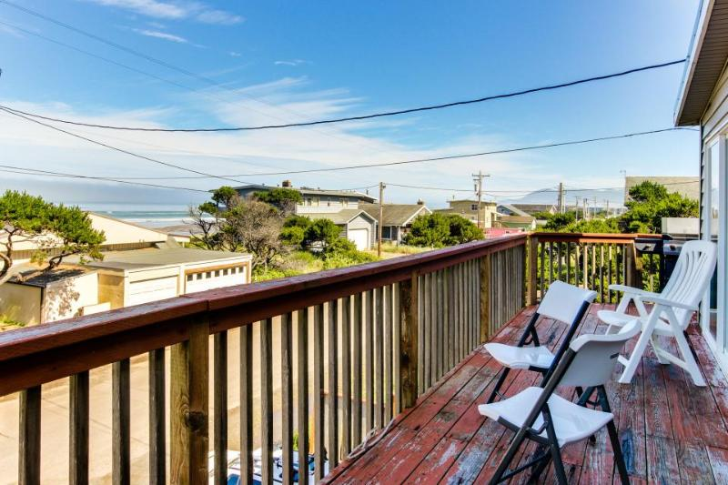 Ocean views and private hot tub just 1 block to the beach! - Image 1 - Rockaway Beach - rentals