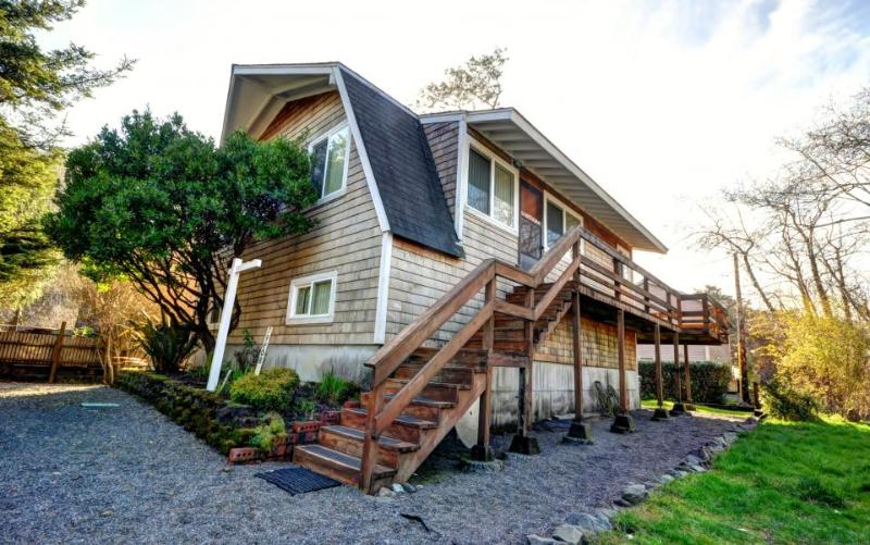 Rustic house w/ wonderful ocean views & nearby beach access - dogs ok! - Image 1 - Arch Cape - rentals