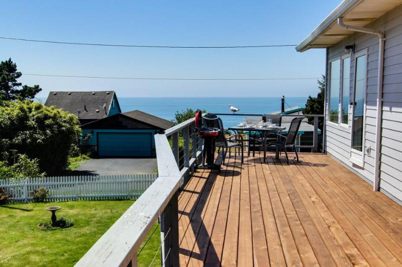 Spacious deck with gorgeous ocean views! - Image 1 - Newport - rentals