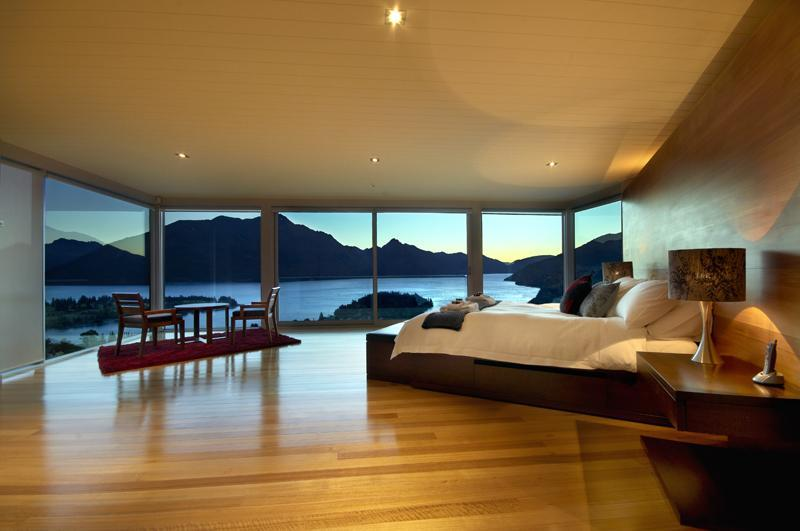 The master bedroom certainly has the wow factor - Panorama on the Terrace, Queenstown, New Zealand - Queenstown - rentals