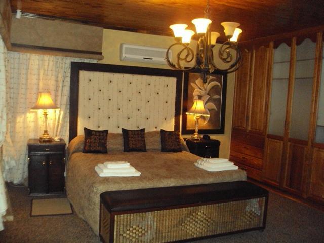 Rhinoceros Room - Lentha' Lodge - Bloemfontein - rentals