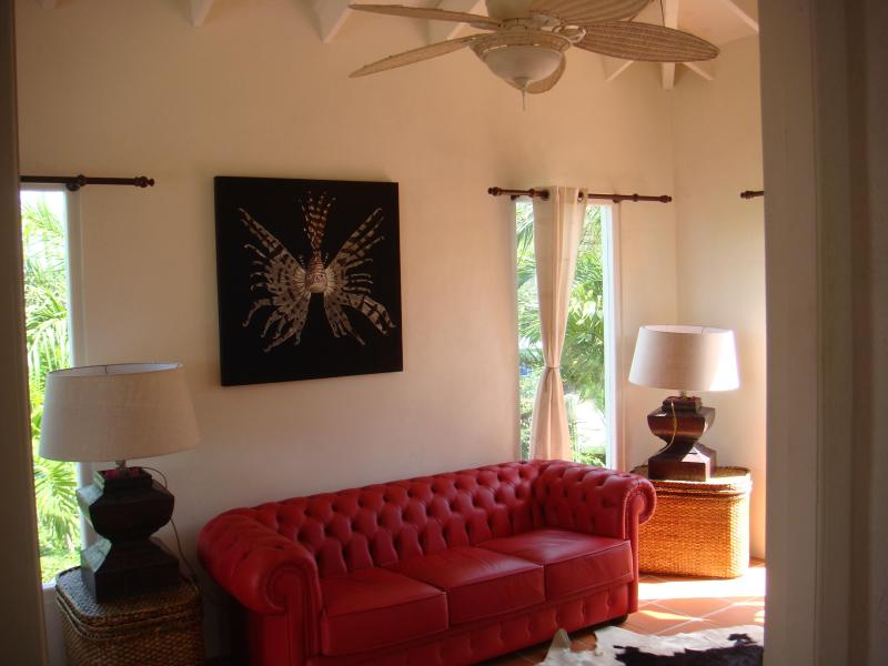 Luxury Caribbean furniture - 1 bedroom authenthic old-Aruban-style homes - Santa Cruz - rentals