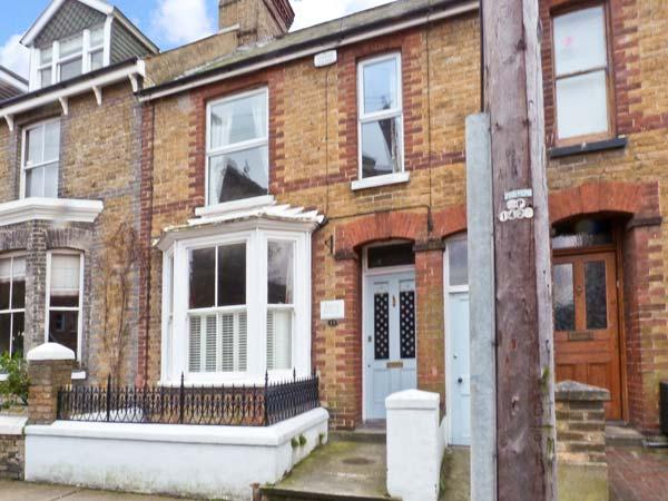 15 STONE STREET, over three floors, central location, garden, in Faversham, Ref 23313 - Image 1 - Faversham - rentals